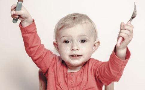 秋天宝宝穿什么好 秋季宝宝穿衣指南 秋季宝宝如何正确穿衣