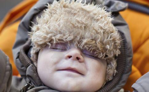 宝宝夏季用什么护肤品好 宝宝护肤品如何选购 如何选购婴儿护肤品