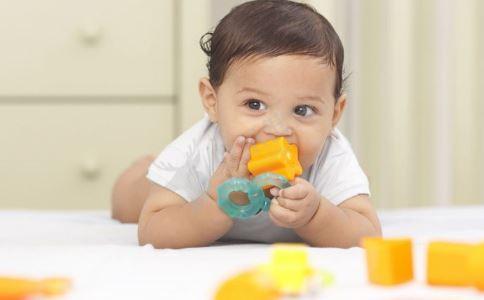 宝宝口臭怎么办 宝宝口臭的原因 宝宝口臭怎么回事