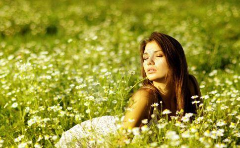 美白祛斑用什么方法 吃什么美白祛斑 女人如何美白祛斑