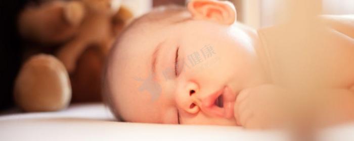 宝宝半夜睡觉惊醒啼哭的原因有哪些 宝宝半夜睡觉惊醒啼哭该如何应对 宝宝半夜睡觉惊醒啼哭如何解决