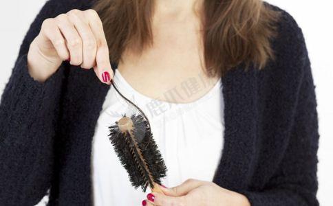 涂口红有什么危害 女人化妆注意事项 女人长期涂口红的危害