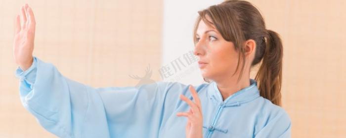 枇杷叶泡水喝的功效 枇杷叶泡水喝的作用 枇杷叶泡水喝的好处