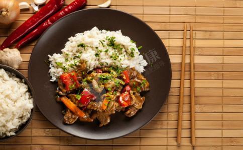 红豆薏米汤的功效 祛湿吃什么 红豆祛湿汤