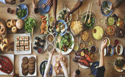 晚上不宜吃的食物 晚上什么食物不能吃 晚上不能吃的食物